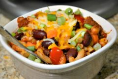 Slow Cooker Cheesy Chili Mac