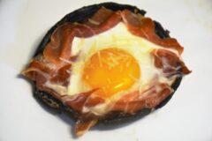 Prosciutto Portobello Baked Eggs