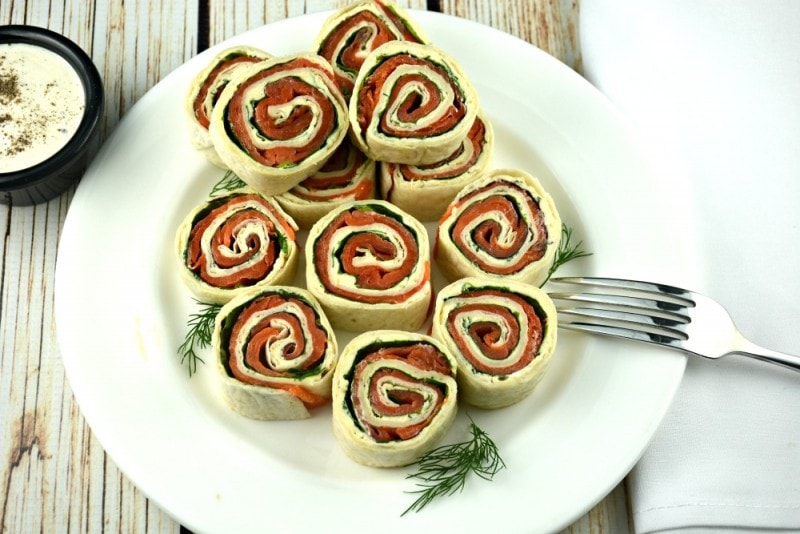 Easy Smoked Salmon Tortilla Roll-up