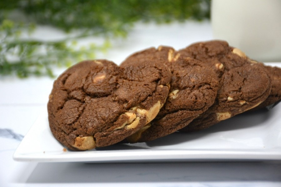 Soft and Chewy Brownie Cookies
