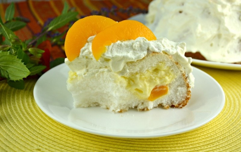 Peaches and Cream Stuffed Cake