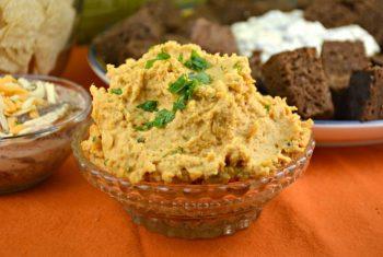 The Ultimate Roasted Garlic Hummus