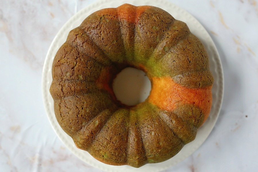 Easy Vanilla Bundt Cake