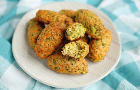 Easy Cheesy Broccoli Tots