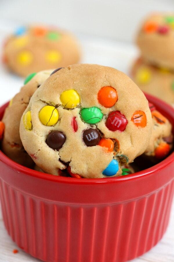 Closeup shot of cookies in red bowl